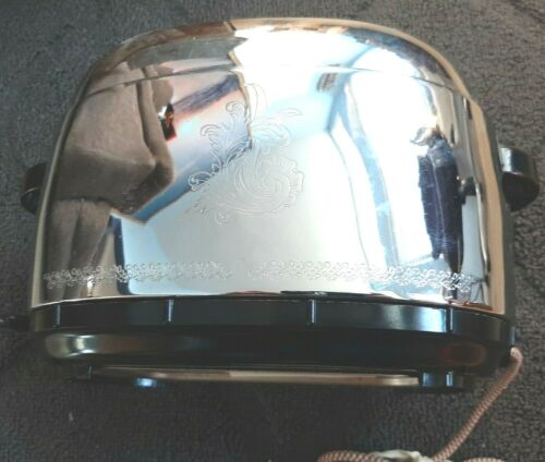 Vintage Chrome WESTINGHOUSE Toaster with decorative pattern