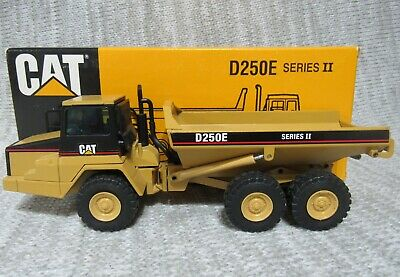 CAT D250E SERIES II ARTICULATED TRUCK CATERPILLAR 1/50 SCALE MODEL #4131 NZG