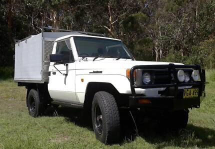 HZJ75 Landcruiser trayback with canopy/ 4x4 camper