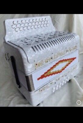 Baronelli Accordion White  White SOL Tone Accordeon GCF new NUEVO 31/12 w/ case