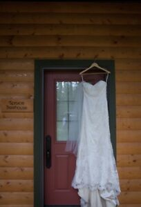Size 10 Stella York wedding gown - Pending pickuo
