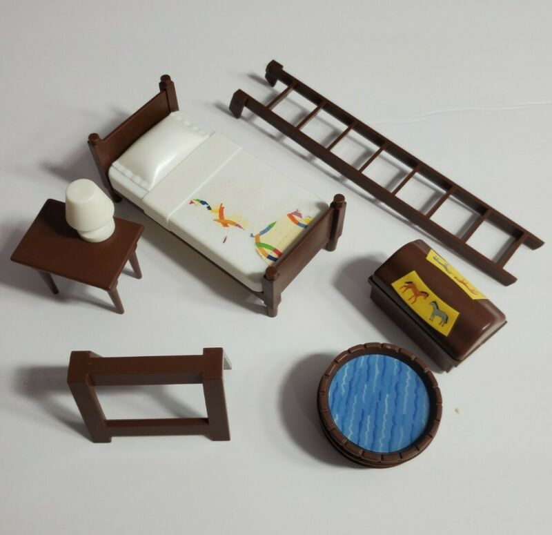 BREYER PADDOCK PALS RANCH PLAYSET LOT LADDER BED TABLE WATER BROWN WOODEN LOOK