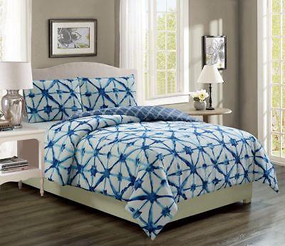 Clermont Navy/White Reversible Comforter Set
