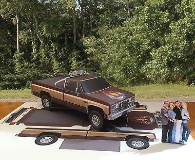 "Papercraft ""Fall Guy"" T.V, show 1983 GMC paper model pickup truck EZU-make"
