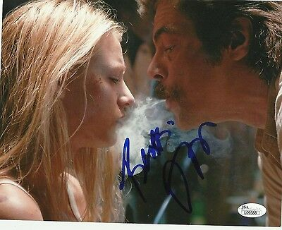 Savages   Benicio Del Toro Signed 8 X 10 Jsa L09588
