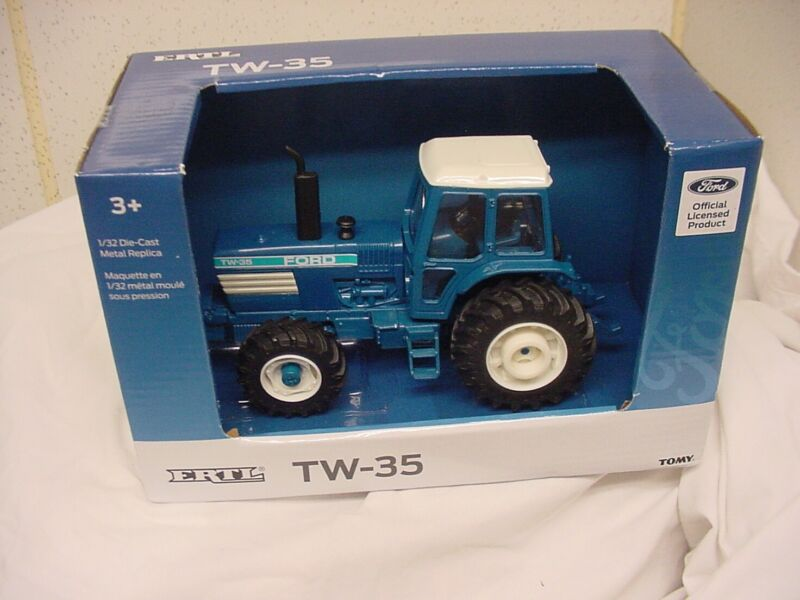 FORD TW-35 TRACTOR ERTL TOMY 1/32 SCALE DIECAST NEW DIECAST