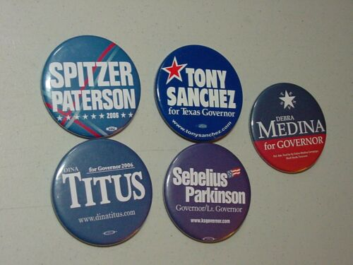5 SPITZER,SANCHEZ,MEDINA,SEBELIUS,TITUS  FOR US GOVERNOR CAMPAIGN PIN BUTTON