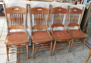 Set-of-4-Carved-Chestnut-Dinette-Chairs-Sidechairs-DC41