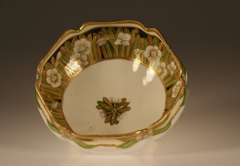 Nippon Handpainted Hexagonal White Lilly Three Footed Moriage Bowl, Japan