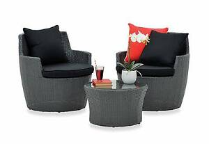 Modern Outdoor 3 piece package retails $449 used only six months Hurstville Hurstville Area Preview
