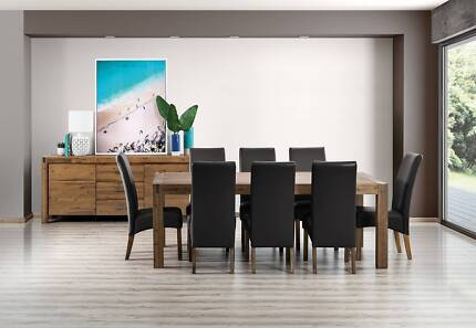 Beautiful Table And 6 Chairs Dinning Set
