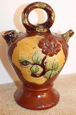 petite chevrette ou canir en catalan a décor de fleurs et grenouille
