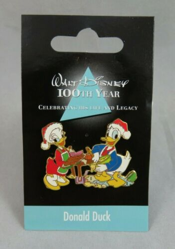Japan Disney Store JDS Pin - 100th Year - Donald and Daisy Duck #9 - Christmas