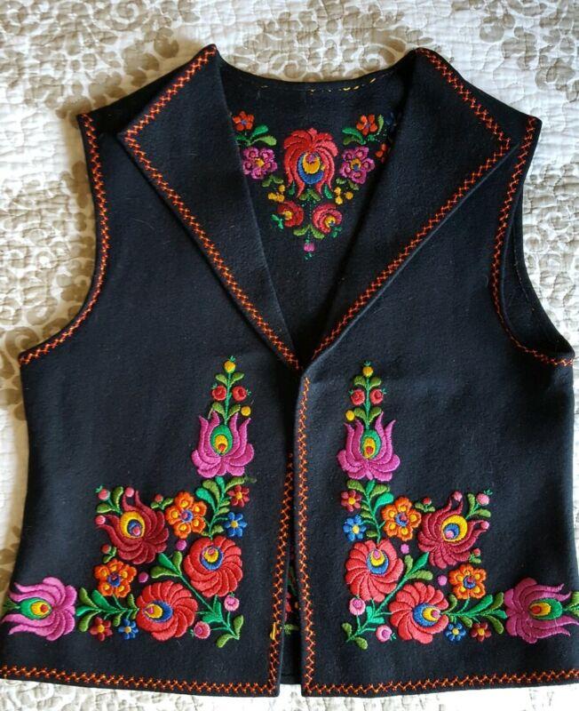 Matyo Vintage Hungarian Floral Embroidered Vest Felt/ Wool Black
