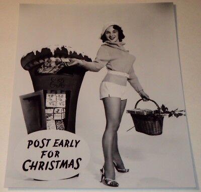 SHIRLEY ANN FIELD /  BUSTY  LEGGY  8 x 10  B&W  CHRISTMAS  PHOTO