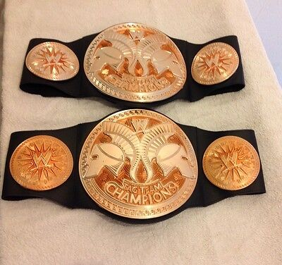 WWE A PAIR OF TAG TEAM WWF CHAMPION WRESTLING BELT SHIELD USO HARDY KID TOY PLAY