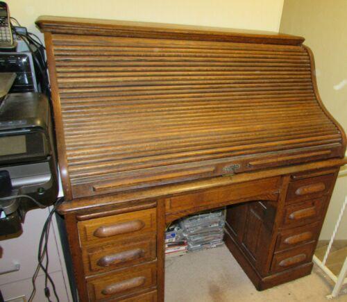 Antique Roll Top Desk Circa 1920 Excellent Condition