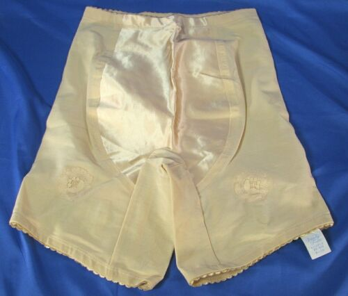 NWT NOS VTG Vanity Fair LONG LEG GIRDLE SHAPER Woodward/Lothrop Sample 41-011 M