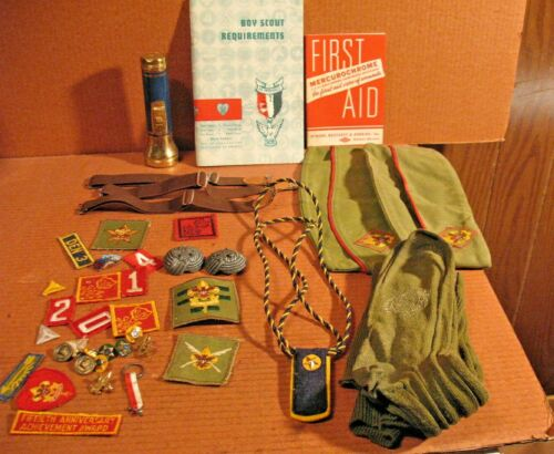 Vtg LOT OF BOY SCOUT & Cub  OF AMERICA PATCHES BADGES BSA & Etc 1950