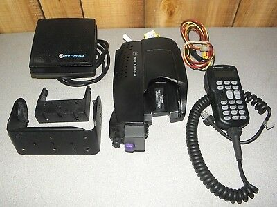 Motorola Xtva Convertacom Xts Vehicular Adapter Ntn8561 With Speaker Mic Bracket