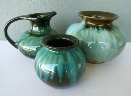 3 PIECES BLUE MOUNTAIN ART POTTERY GREEN DRIP VASES & PITCHER - CANADA