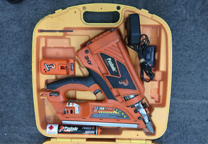Paslode Impulse 30° FrameMaster-Li Framing Nailer B20543P