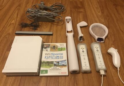 Wii gaming console with Wii sports kit