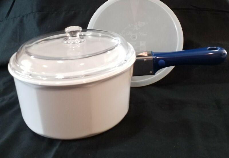 PRINCESS HOUSE NOUVEAU WHITE CERAMIC 2 1/2 QT SAUCE PAN W/ REMOVABLE BLUE HANDLE