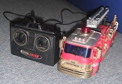 1984 New Bright Battery Operated vintage Fire Engine Truck Wired Remote Control