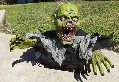 Extremely Rare SVI Animatronic Zombie Grave Crawler Halloween Animated Prop