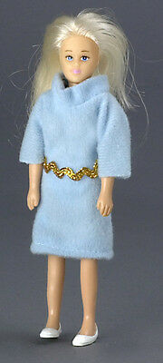 Dollhouse Miniature Doll Mother Blonde Vinyl Town Square #00006 1:12 Scale