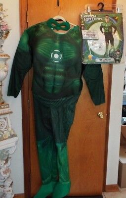 Deluxe Green Lantern Costume (Green Lantern Muscle Chest Deluxe Men Costume by Rubies Jumpsuit Adult XL.)