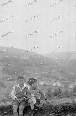negativ-schönecken-1930 er -Eifelkreis Bitburg-Prüm-Cute Teen-Boys-shorts-1 ()
