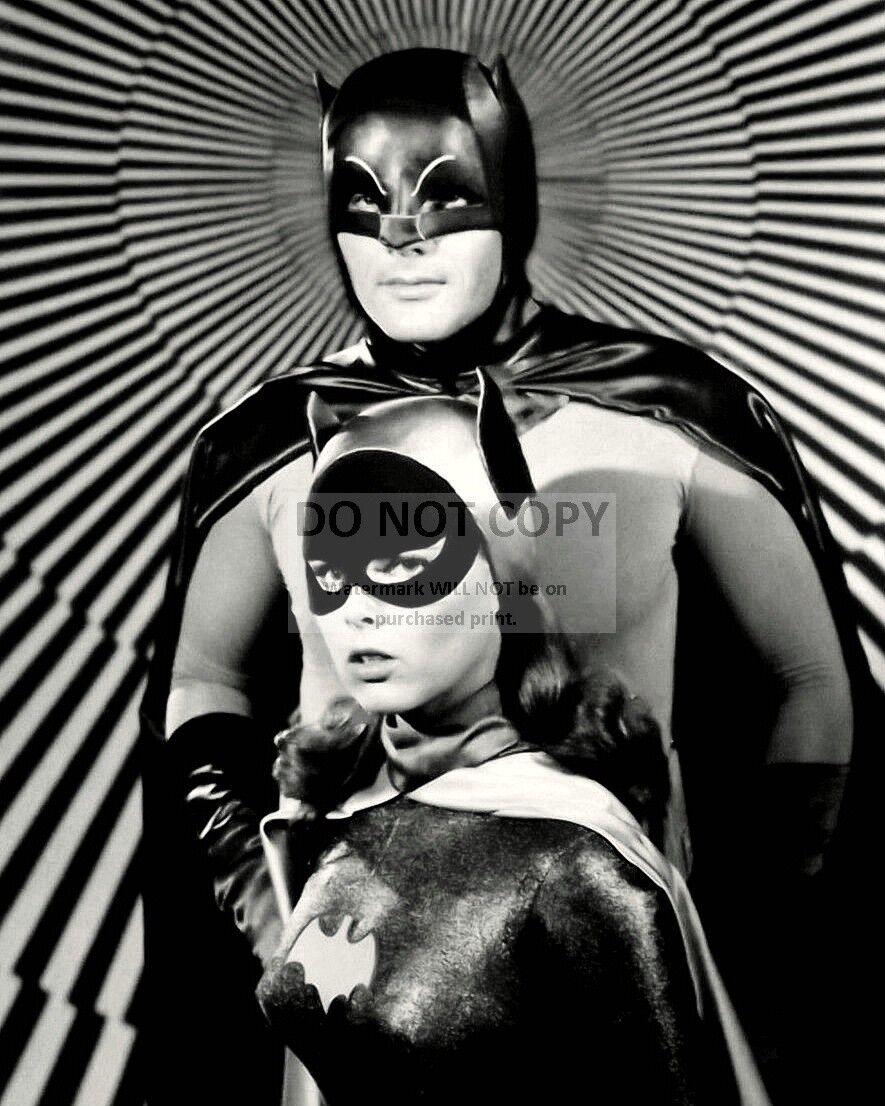"YVONNE CRAIG AS /""BATGIRL/"" IN TV SERIES /""BATMAN/"" EP-739 8X10 PUBLICITY PHOTO"