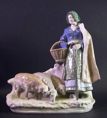 grosse Figurine / Schäferin mit Herde - Amphora Austria