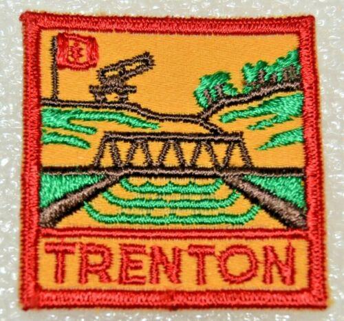 TRENTON DISTRICT Cut Edge Square Boy Scout Uniform Badge Canadian (ONT3B)