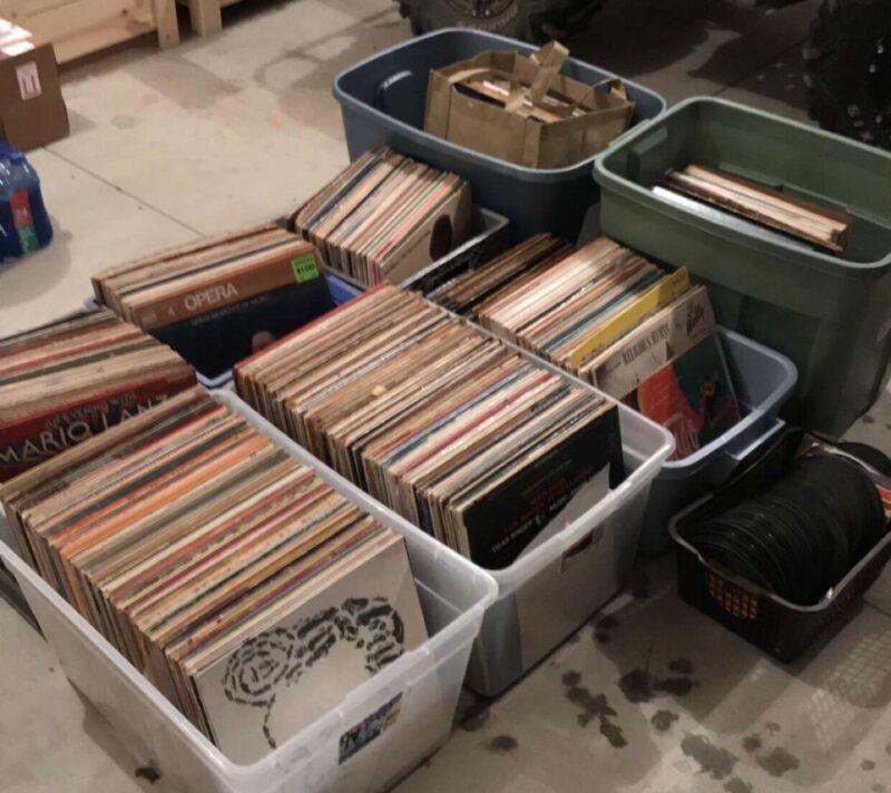 Random Lot of Vinyl Records - 20 vinyl records per lot - 1950s - 1990s