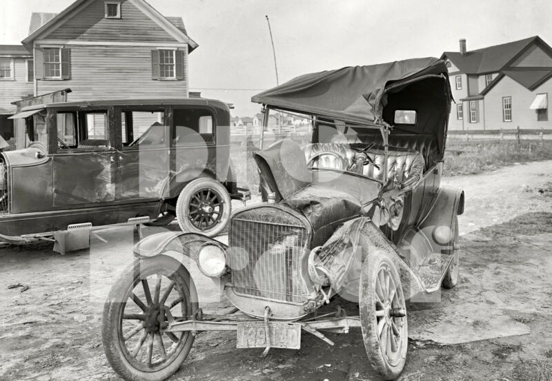 Vintage Old Buick Ford Model T car wreck photo 1924 Automobile