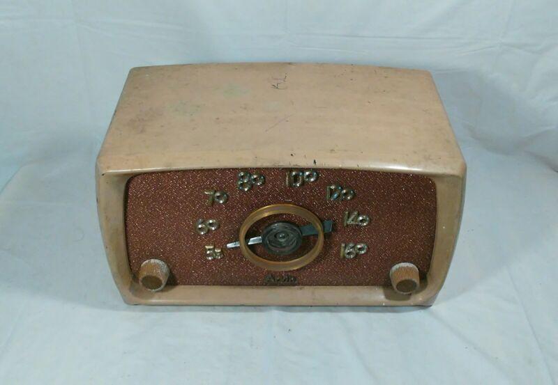 Old antique ARVIN AM tube radio model 651 T nice bakelite cabinet tested works