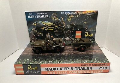 REVELL  1/35th JEEP AND TRAILER MODEL KIT STORE DISPLAY BASE ONLY