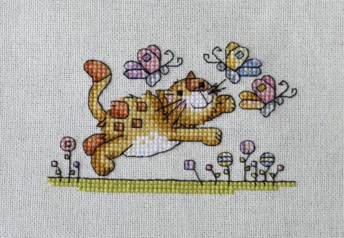 cute kitten cat chasing butterflies completed cross stitch animals gift