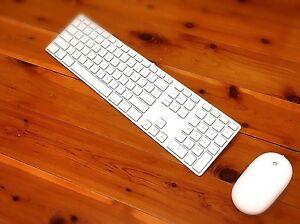 OriginalApple Mouse  Keyboard   Fantastic Condition Parramatta Parramatta Area Preview