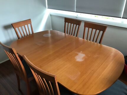 Wooden Expandable Modern Dining Table And Chairs