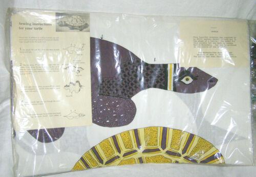 "VINTAGE METROPOLITAN MUSEUM OF ART GERMAN FAIENCE ""TURTLE"" PILLOW SEWING KIT-NEW"