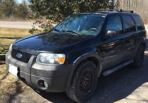 2007 Ford Escape XLT for parts