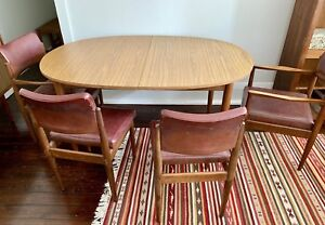 Original retro mid century Chiswell extendable dining table