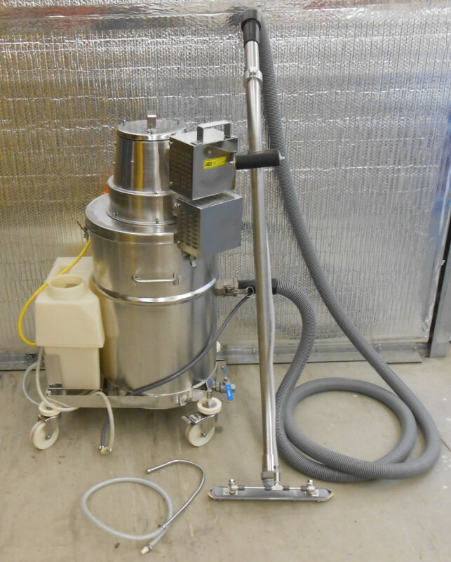 NILFISK ADVANCE STAINLESS STEEL SCV 0107 SPRAY CLEANER WET/DRY VACUUM