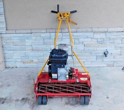 McLane 10 Blade Gas Powered Reel Lawn Mower 3.5 HP Straight Line Yard Equipment