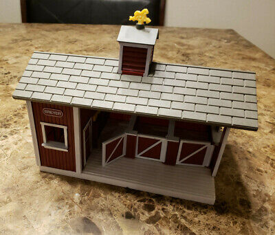 Breyer Stablemates #59197 Red Stable Barn