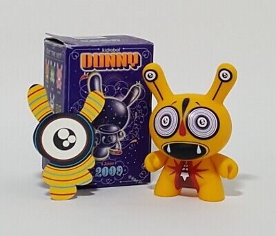 """YELLOW KIDROBOT DUNNY SERIES 2009 VINYL 3"""" ACTION FIGURE DALEK 1/100 CHASE for sale  Shipping to India"""
